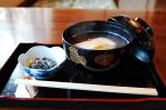 Süße Bohnensuppe mit Mochi (Reiskuchen)